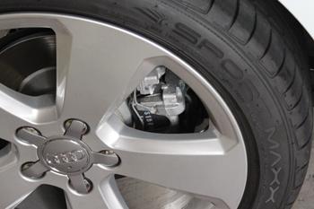 AUDI A3ルームライトLED ブレーキパッド
