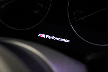 BMW F30ディスプレイ変更コーディング