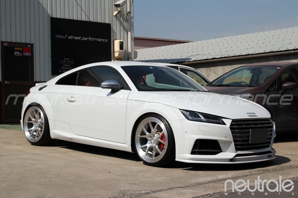 AUDI TTS neutrale CS5mono VW touran KW V1車高調