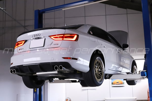 エンジンオイル交換 AUDI.VW  AUDI A3 ステアリング交換